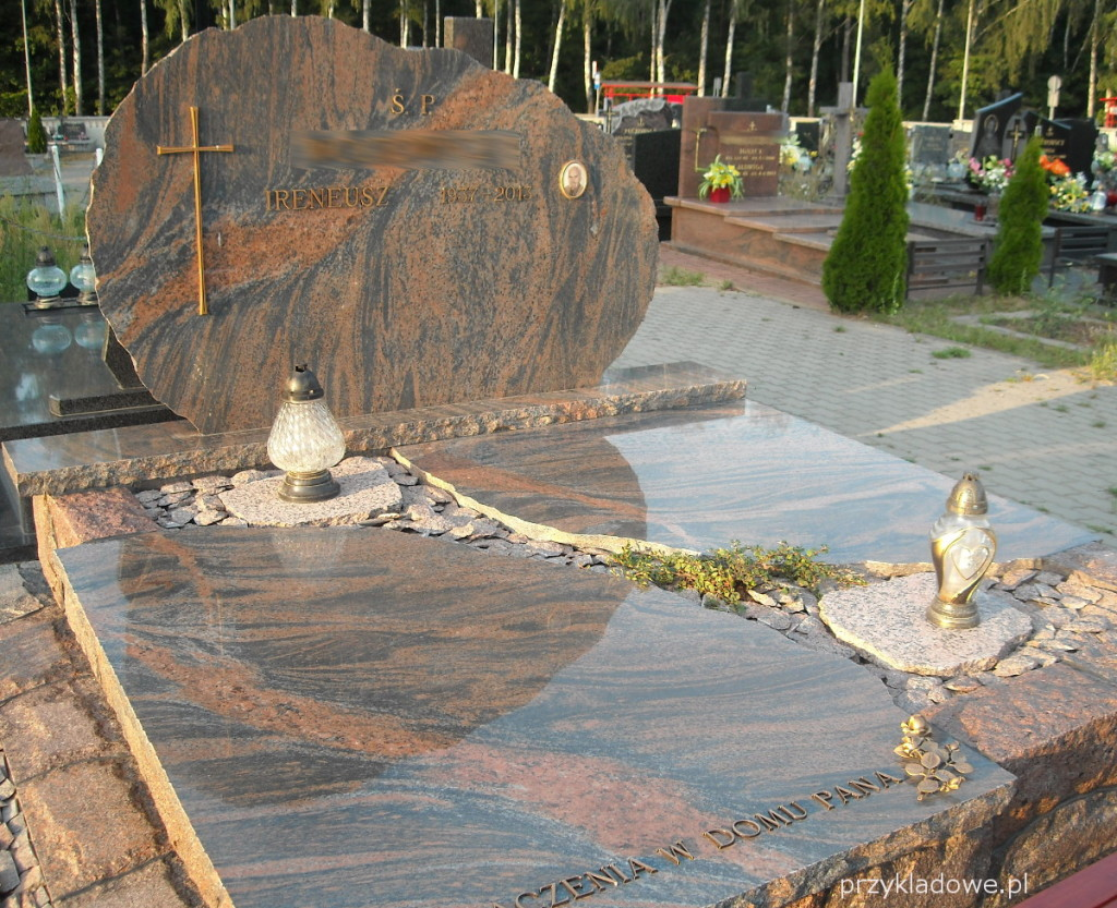 pomnik-z-kamieni
